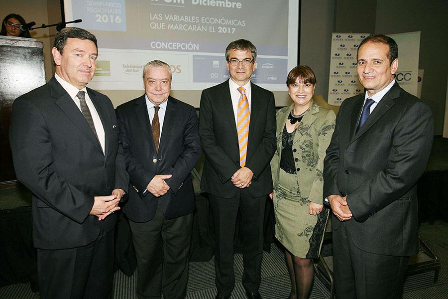 CPCC, SOFOFA y Banco Central presentaron el IPOM Diciembre 2016 para los socios e invitados del gremio.