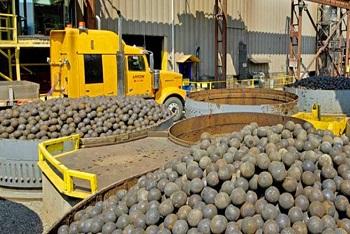 Moly-Cop paraliza dos líneas de producción y piden antidumping a China