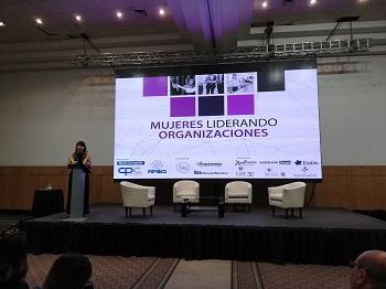 Mujeres Liderando Organizaciones: un largo camino por recorrer