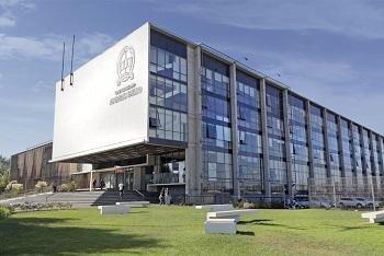 UNAB logra acreditación internacional de sus carreras de economía por 10 años