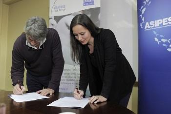 ASIPES firma inédito convenio con organización experta en protección de aves marinas