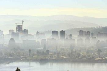 Industria valora gradualidad de acciones antipolución y experto advierte que leña será el gran reto