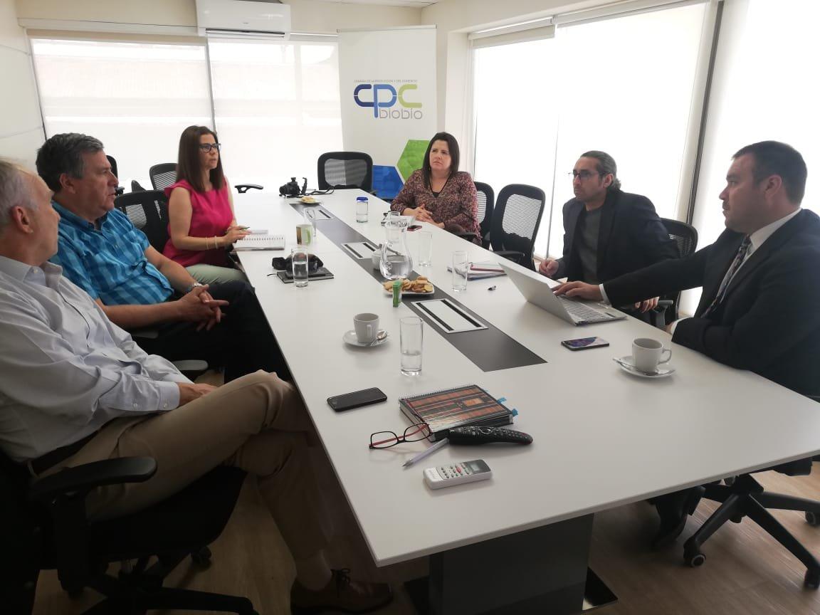 Seremi de OOPP presentó cartera de proyectos en la CPC Biobío